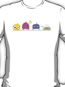 Funny cartoon birds on pole T-Shirt