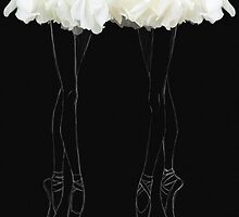 En pointes ballerinas by Olga Kashubin