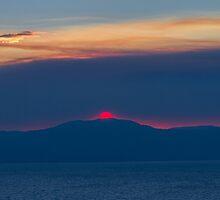 Red Sun - Lake Tahoe by Richard Thelen