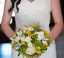 Bride and her Bouquet by hocapontas