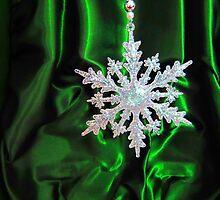 Christmas Snowflake by sammiejayjay