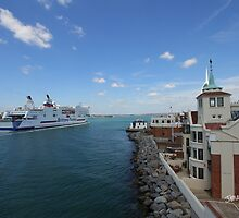 Mont St. Michel Entering Portsmouth by Jonathan Cox