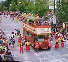 Adelaide Christmas Pageant 2014 London Bus 17 and North Tce by Heather Dart