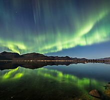 Aurora reflections by Frank Olsen