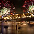QM2 docked in Sydney by Rick Monk