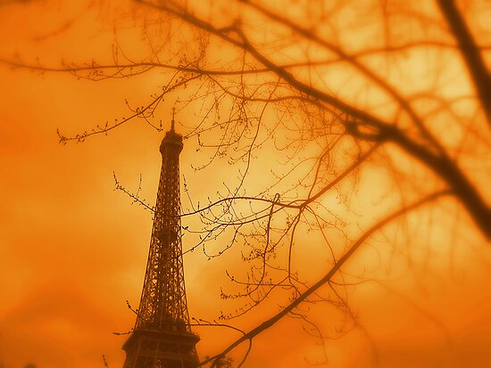 Eiffel orange by Leia