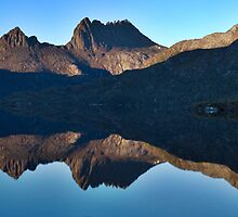 Cradle Mountain Morning Panorama by John Barratt