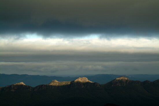 First Ray's Grampians by Joe Mortelliti