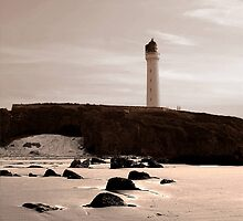 LOSSIEMOUTH LIGHTHOUSE by GUS MACDONALD