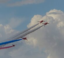 Red Arrows 18 by David Charlton