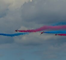 Red Arrows 11 by David Charlton