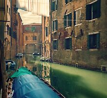 venezia  by meanderthal