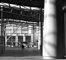 the forecourt : Southern Cross station by mick8585