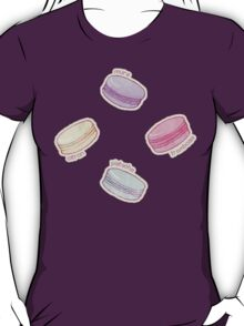 French Macaron Pattern - raspberry, pistachio, lemon & blueberry T-Shirt