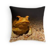 You know you want me Throw Pillow
