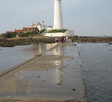 St Mary's Lighthouse , Whitley Bay , UK  by shelagh1312