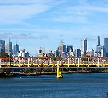 City skyline from Kenginston by pinkchampagne
