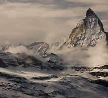 Cloudy Matterhorn by peterwey