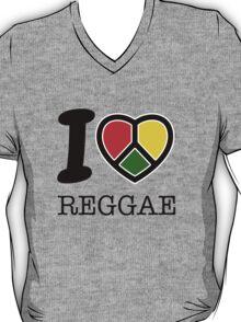 I love Reggae music... rasta maaaaaaan! T-Shirt