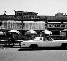 Clam Bar, Coney Island by laurencedodd
