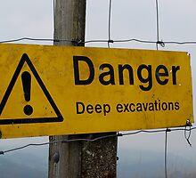 Danger ! by shakey