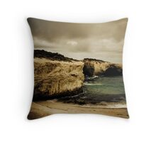 London Bridge, Great Ocean Road, Victoria Throw Pillow