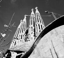Sagrada Familia by deejaypow