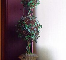 Simplified Topiary and Light by goddarb