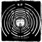 Lentille du phare de Lochrist by Jean-Luc Rollier