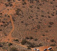 4WDs from the top of Finke by robertp