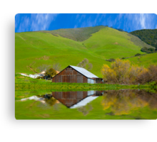 Old Barn, Jallama, CA. Canvas Print