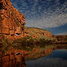 Red Cliffs by htan