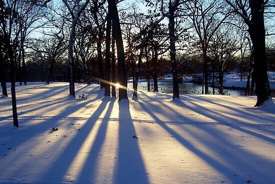Winter glow by funkyfacestudio
