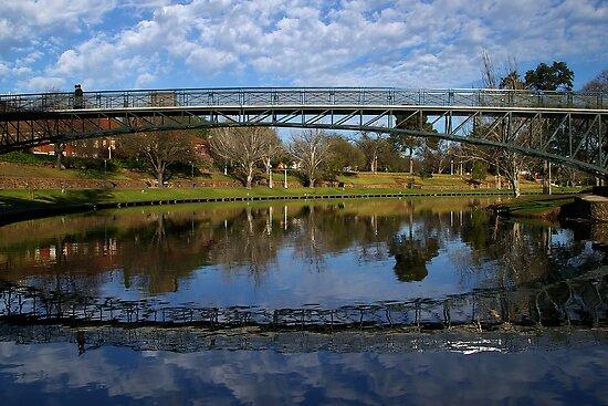 Uni  Footbridge. by Aussiebluey