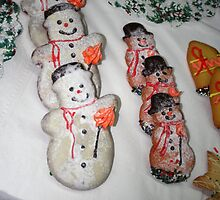 Yummy Yummy...SNOWMEN by Christian  Zammit