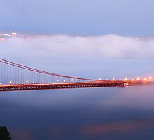 Golden Gate Bridge at dusk by Can Balcioglu
