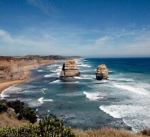 Great Ocean Road 1 by rebecca zachariah
