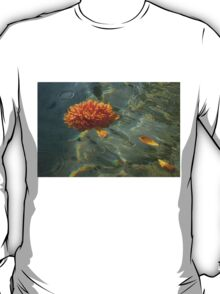 Liquid Rainbows – Floating Chrysanthemum Blossom in the Sunshine T-Shirt