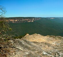 Sublime Point Leura by STEPHEN GEORGIOU