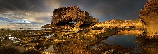 Golden Arch Pan by Robert Mullner