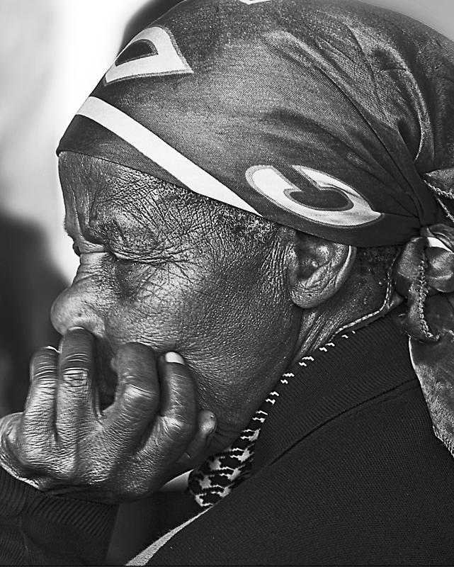 Old lady Rwanda by Melinda Kerr