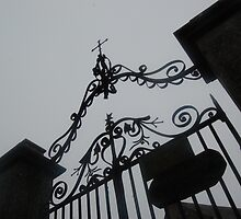 church gates princetown by MikeTheYokel