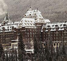 Banff Springs Hotel by Simon Hodgson