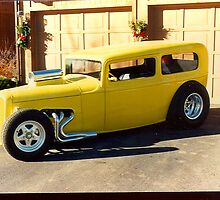 Yellow 1932 Ford by tvlgoddess