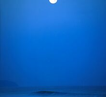 Polihale Moon by kevin smith  skystudiohawaii