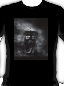 The Doctor and The Mist - Doctor Who T-Shirt