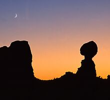 Balanced Rock by Steve  Taylor