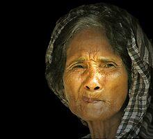 cambodian woman  by Amagoia  Akarregi