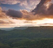 Blue Mountains by Daniel  Speranza