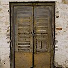 Old door by kevomanno